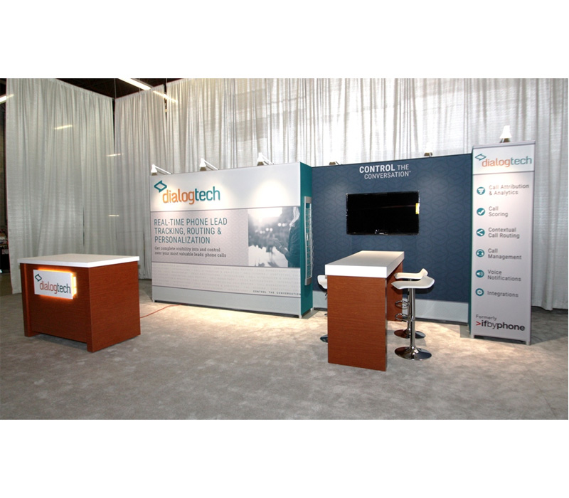 10x20 fabric booth with meeting space